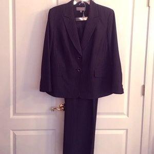 Jones New York 2 piece Suit 18W